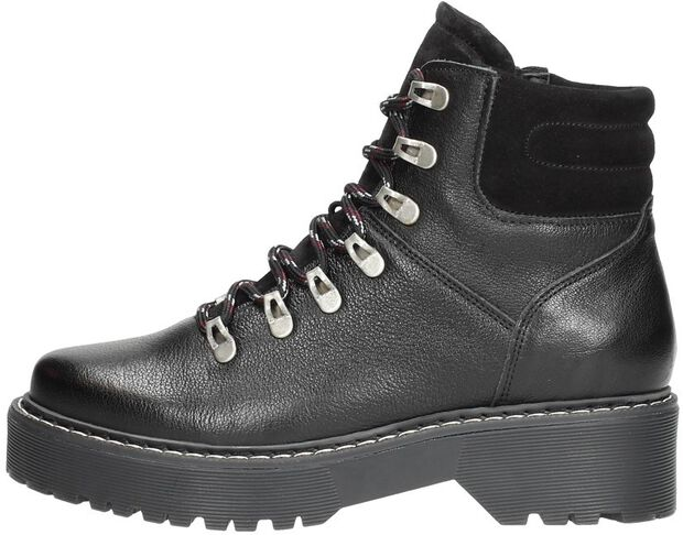 Hiking boots - large